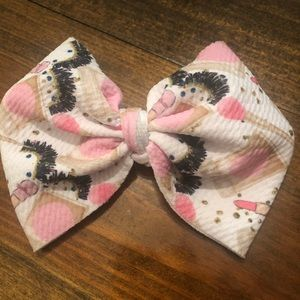 Make up print hair bow